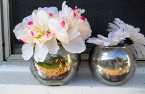 The Medium and Small Round Vases that could