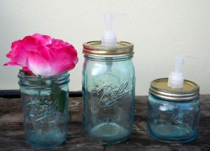 Mason Jar love the Vintage and the oldish