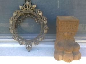 The Paw and the frame from the garage sale